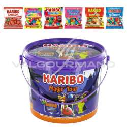 Seau Magic Tour HARIBO garni de 18 sachets de confiserie en stock