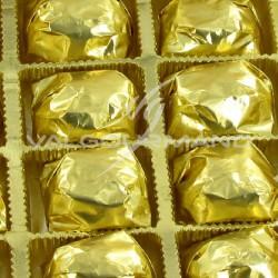 Marrons glacés pliés or - plateau 1,100kg en stock