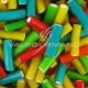 Mini cables fruits lisses couleurs assorties fourrés - 1kg