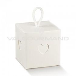 Boîte cube coeur et cordelette Blanc - pièce en stock