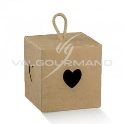 Boîte cube coeur et cordelette Marron - pièce en stock